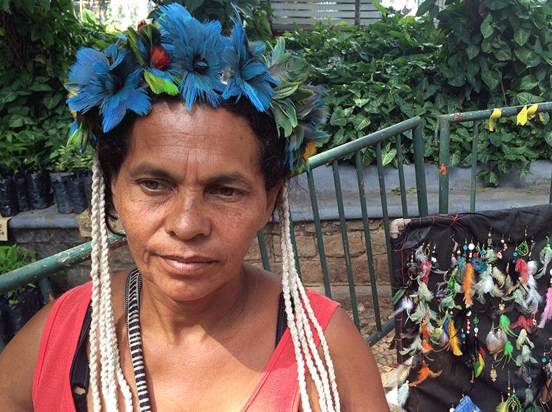 """""""Senti muito constrangimento no dia que se reuniram para tirar a gente dali"""", conta Katoran, 49, apontando dedo para a área externa do Parque. Ela se mudou da terra indígena Caramuru-Paraguaçu, no sul da Bahia, para Ibirité, na região metropolitana de BH."""